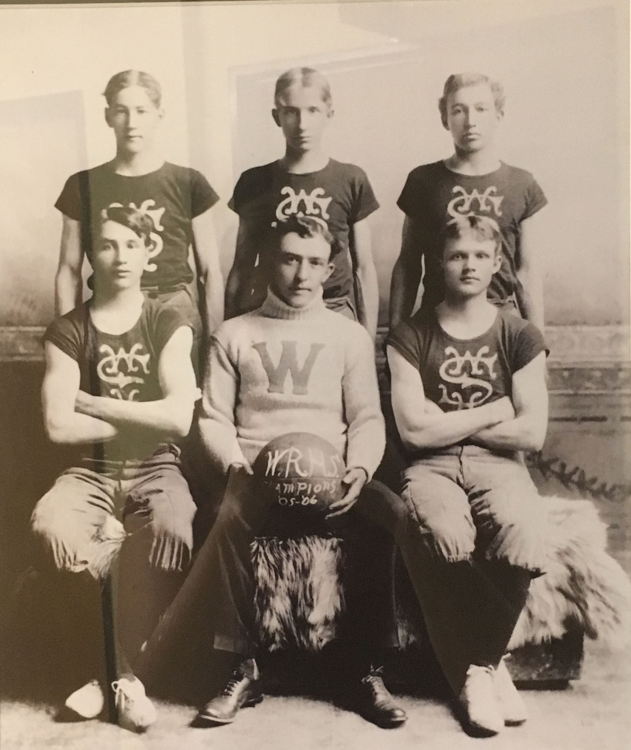 WRHS basketball team 1905-06