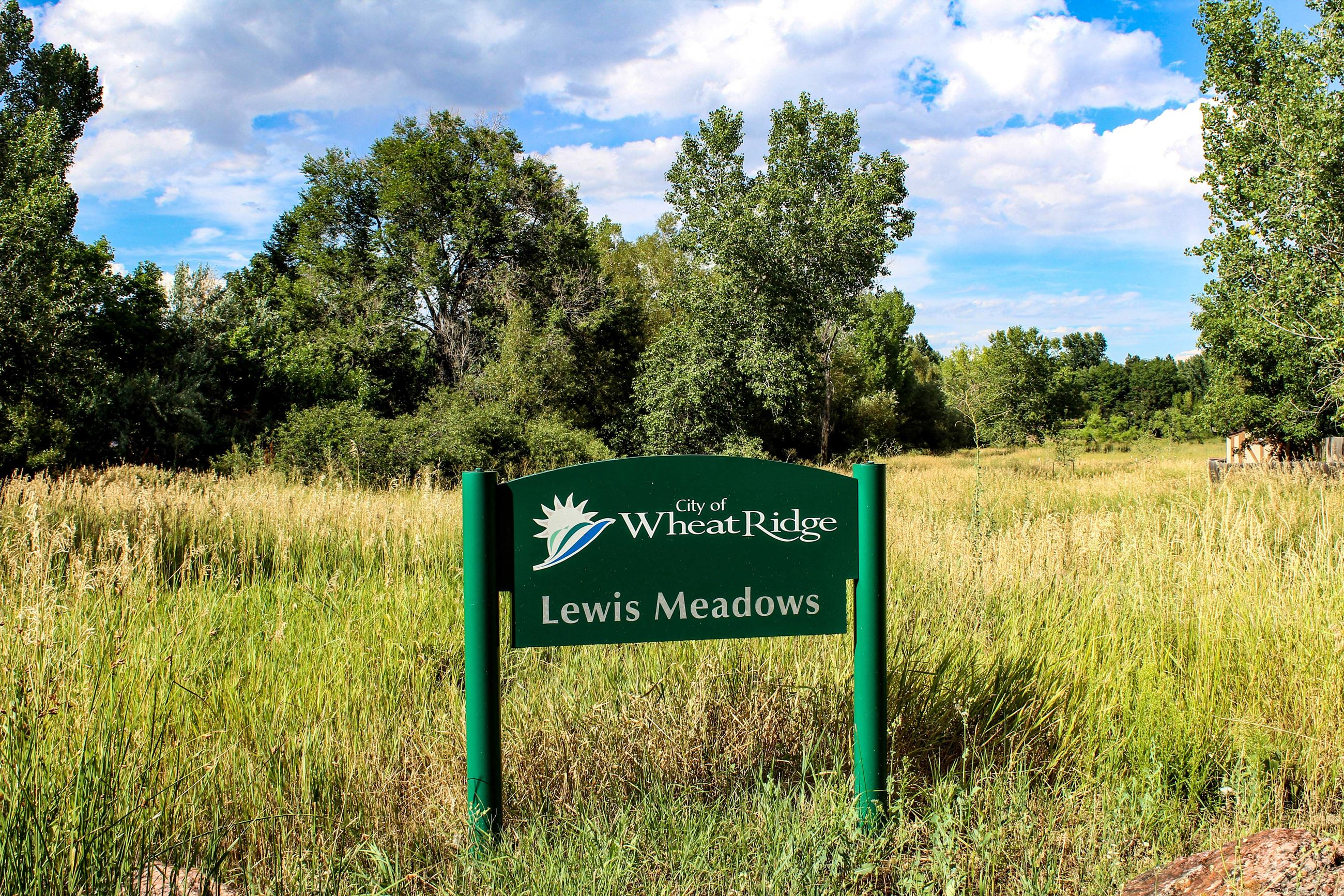 LewisMeadowsParkSign-web